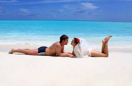 Свадьба в купальниках