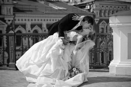 Свадебные фото: черное-белые снимки