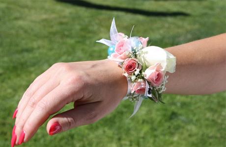 Цветочный браслет на свадьбу