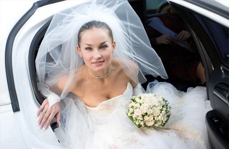 Как не запачкать подол свадебного платья