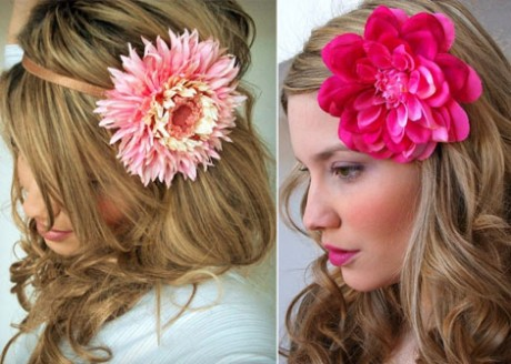 Цветок в волосах невесты