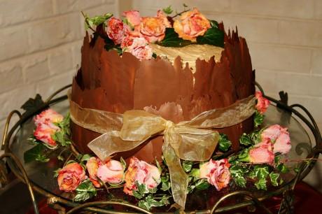 Шоколадный торт на свадьбу