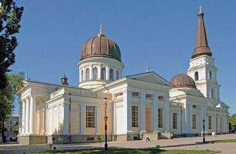Где провести свадебную фотосессию в Одессе: Соборная площадь