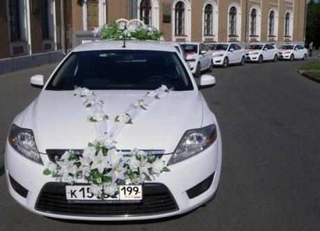 Украшения свадебного кортежа - цветы