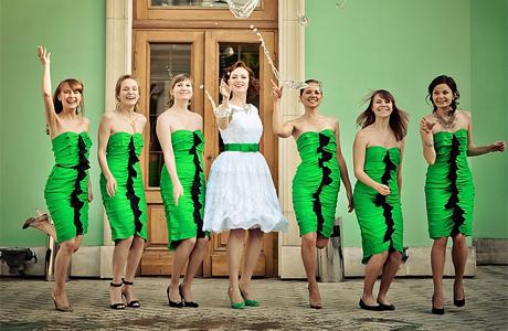 Зеленый свадебный наряд