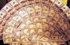 Традиционные подарки на свадьбу - веер из денег