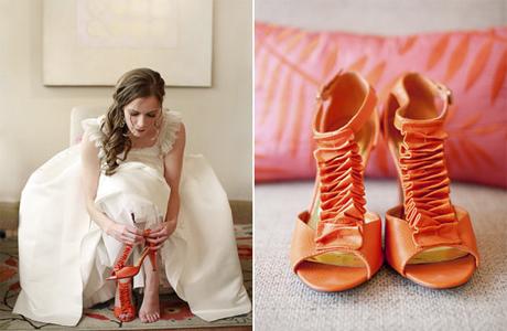 Свадебный тренд - яркие туфли невесты