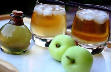 Яблочный коктейль на свадьбу