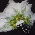Украшенный цветами веер - роскошное украшение невесты на любой свадьбе