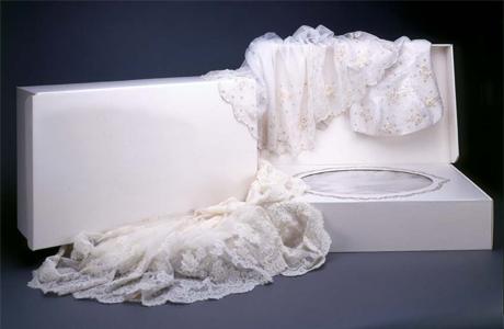 Что делать с платьем после свадьбы: химчистка