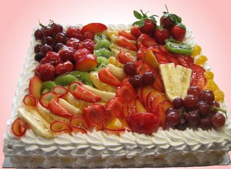 Легкий торт на свадьбу с фруктами