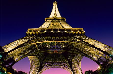 Медовый месяц в Париже: Эйфелева башня