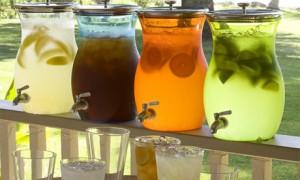 Во что наливать лимонад на свадьбе