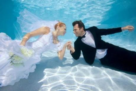 Странные свадьбы: медовый месяц для дайверов