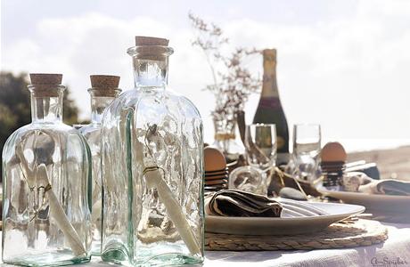 Бутылки в свадебном декоре: поздравления