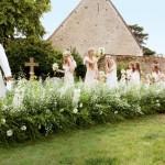 Зеленый и белый - два основных цвета сказочной свадьбы Кейт Мосс и Джейми Хинса.