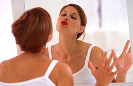 Свадебный макияж: акцент на губы
