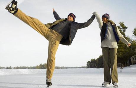 Романтическое свидание зимой покатаемся на коньках