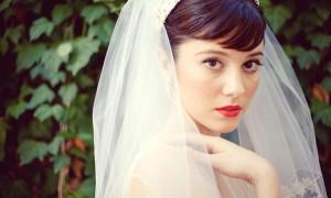 Соблазнительные губы невесты