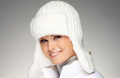 Вязаная шапка как головной убор невесты