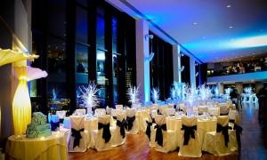 Банкетный зал для зимней свадьбы