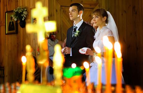 Как себя вести во время венчания