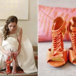 Немного сочных деталей в свадебном наряде невесты никогда не повредит