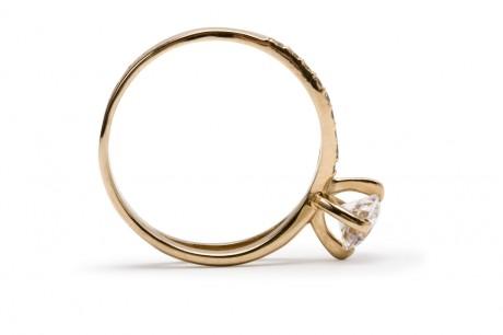 Кольцо не должно быть толстым и тяжелым