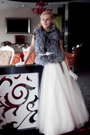 Меховой жилет для невесты