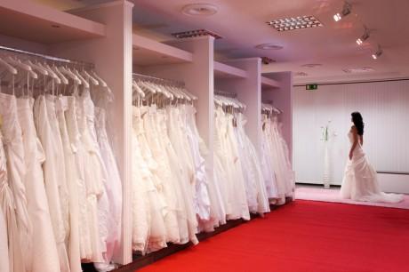 Прокат свадебных платьев в салонах