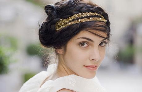 Свадебная прическа в греческом стиле с обручами