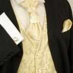Атласный галстук под цвет жилета