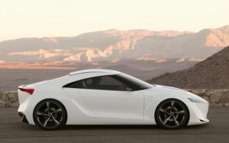 Белый автомобиль жениха