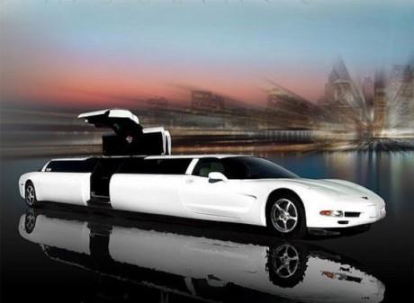Длинный автомобиль жениха