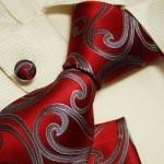 Контрастный галстук для жениха