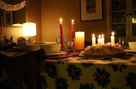 Оформить романтическое предложение можно дома