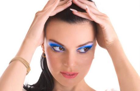 Голубой макияж на новогоднюю свадьбу
