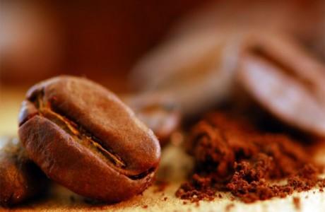 Скраб из ароматного кофе против целлюлита