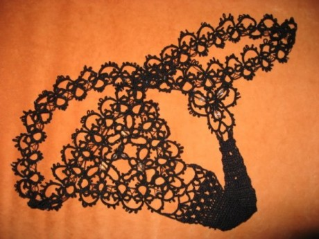 Черные вязаные трусики для невесты