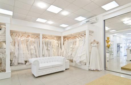 Салон с платьями