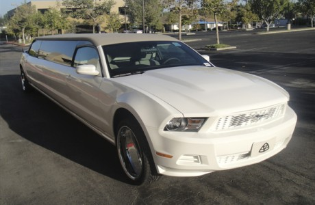 Прокат Ford Mustang Limousine на свадьбу