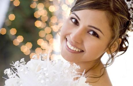 Белоснежная улыбка невесты