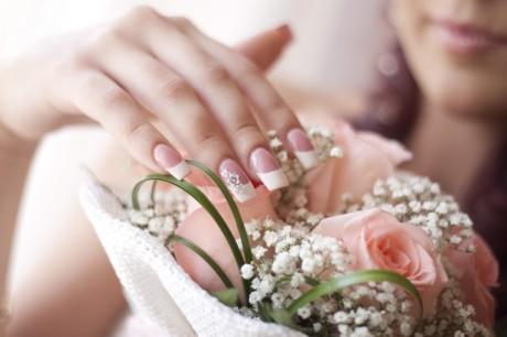 Свадебный маникюр в домашних условиях