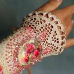 Вязанные браслеты для невесты: не каждый день такое увидишь