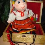 Вязаная кукла-невеста украинка