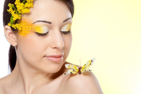 Свадебный макияж в желтых оттенках