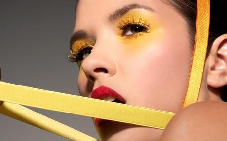 Желтый свадебный макияж