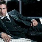 Идеально подобранный жилет отлично украсит вечерний костюм