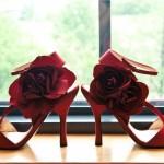 Что может быть лучше насыщенного красного цвета для свадебной обуви?