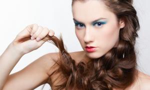 Самая модная свадебная прическа 2012 – растрепанная коса